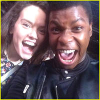 'star wars' actors john boyega & daisy ridley freak out in new instagram pic & are our new faves